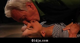 Young hussy blonde teenage experiencing old dick