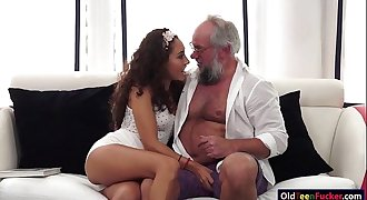 Latin Melody Petite crave for an old shaft in mouth and pussy