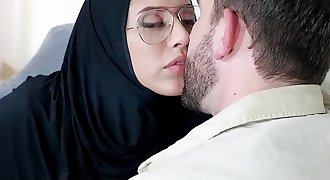 Teen Wearing Hijab Fucked